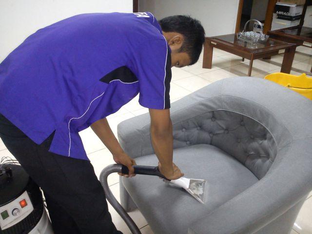jasa-cuci-sofa-bekasi