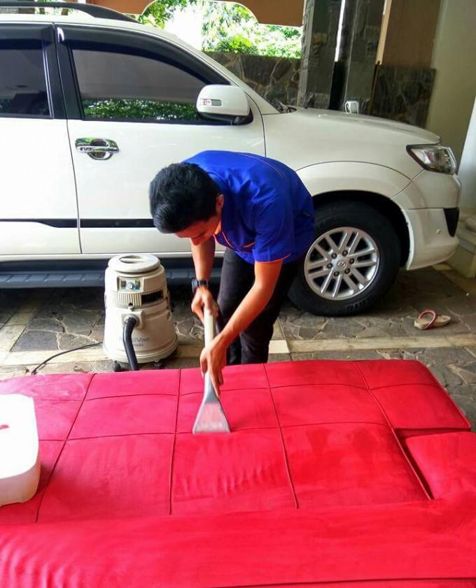 Jasa Cuci Sofa Bekasi Selatan Bergaransi 085103457745: Layanan cuci sofa bekasi selatan tersedia pada wilayah: Jakamulya, Jakasetia, Cuci Sofa Kayuringin Jaya, Marga Jaya, Cuci Sofa Pekayon Jaya.